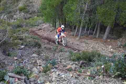 Excursions moto enduro en Sardaigne